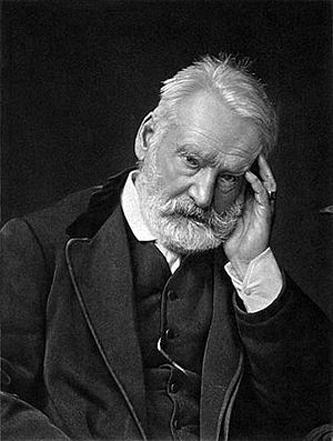 """Victor Hugo (n. 26 februarie 1802 - d. 22 mai 1885) a fost un poet, dramaturg și romancier francez. Scriitor romantic, a fost pair al Franței din 1845, senator al Parisului și membru al Academiei Franceze din 1841. Printre operele sale cele mai cunoscute se numără """"Mizerabilii"""" și """"Notre-Dame de Paris"""" - foto preluat de pe ro.wikipedia.org"""