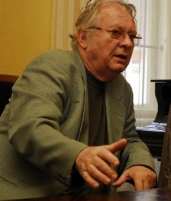 Cornel Țăranu (n. 20 iunie 1934, Cluj) este un compozitor și dirijor român, membru corespondent (1993) și ulterior titular (2012) al Academiei Române - foto: cinemagia.ro