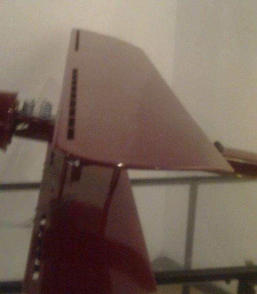 Dispozitiv pentru mărirea portanţei pe profilul de aripă al aparatului cu reacţie realizat în 1910 - foto preluat de pe ro.wikipedia.org