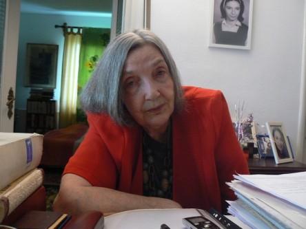 Irina Mavrodin (n. 12 iunie 1929 – d. 22 mai 2012) a fost o profesoară de literatură franceză (inițial la Universitatea din București, ulterior profesor consultant la Universitatea din Craiova), traducătoare română de limba franceză, poetă și eseistă. A tradus ciclul de romane În căutarea timpului pierdut a lui Marcel Proust, publicat de editura Univers. Este autoarea a numeroase volume de traduceri importante, poeme și eseuri - foto: observatorcultural.ro