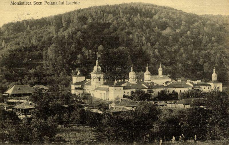 """Mănăstirea Secu este o mănăstire ortodoxă din România situată în comuna Pipirig, județul Neamț. Mănăstirea Secu a fost construită în anul 1602 cu sprijinul lui Nestor Ureche, mare vornic al Țării de Jos, tatăl cunoscutului cronicar Grigore Ureche, pe locul unei mici sihăstrii numită """"Schitul lui Zosim"""", fondat la 1564. În prezent este monument istoric cu codul NT-II-a-A-10735 - foto: cersipamantromanesc.wordpress.com"""