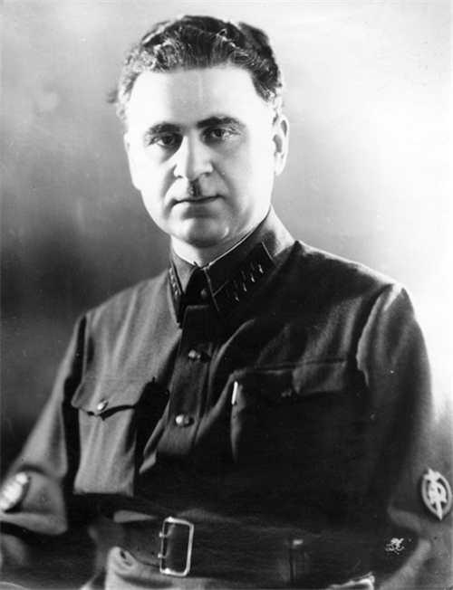 Generalul NKVD Sergo Goglidze (1901 - 1953) unul din organizatorii deportărilor din 12-13 iunie 1941 - foto: ro.wikipedia.org
