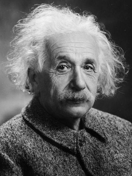 Albert Einstein (n. 14 martie 1879, Ulm – d. 18 aprilie 1955, Princeton) a fost un fizician teoretician de etnie evreiască, născut în Germania, apatrid din 1896, elvețian din 1899, emigrat în 1933 în SUA, naturalizat american în 1940, profesor universitar la Berlin și Princeton. A fost autorul teoriei relativității și unul dintre cei mai străluciți oameni de știință ai omenirii. În 1921 i s-a decernat Premiul Nobel pentru Fizică - foto: en.wikipedia.org