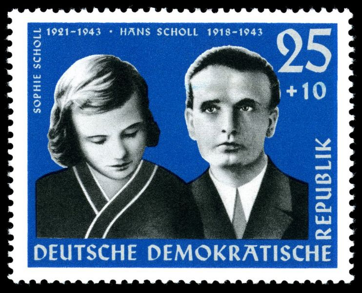 German stamp of Hans Scholl and his sister Sophie - foto: en.wikipedia.org