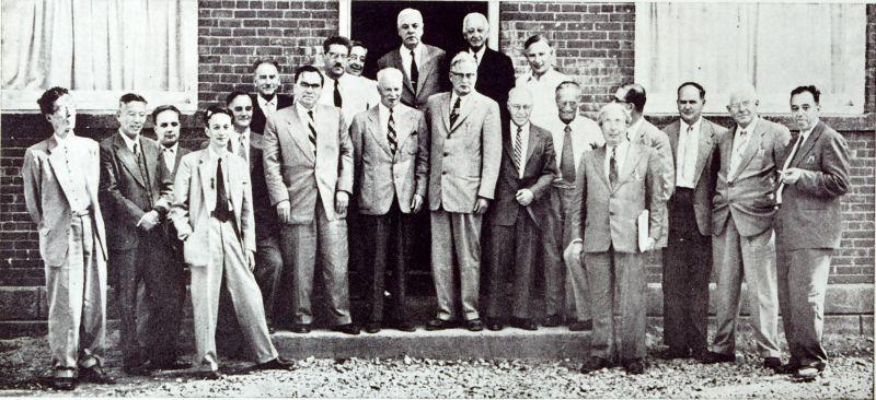 Participanții la prima Conferință Pugwash (iulie 1957, Pugwash, Nova Scotia) - foto: pugwash.org