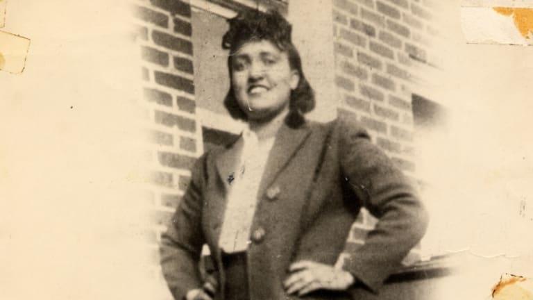 Henrietta Lacks (n. 1 august 1920 – d. 4 octombrie 1951), a fost o femeie de culoare din America decedata   in urma unei tumori canceroase cu evolutie rapida - foto preluat de pe www.history.com