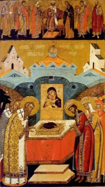 Aşezarea cinstitului brâu al Maicii Domnului în raclă - foto preluat de pe ziarullumina.ro
