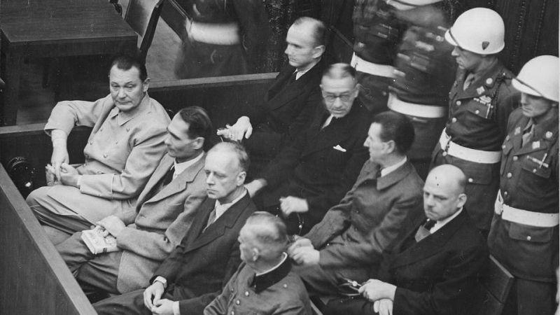 Procesul de la Nuremberg: Göring, Heß, von Ribbentrop, Keitel, Dönitz, Raeder, von Schirach și Sauckel - foto: focus.de