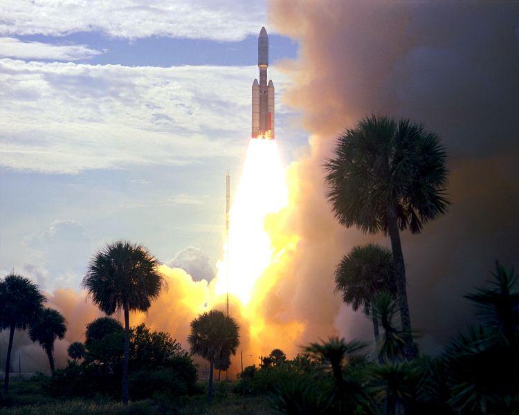Viking 1 este prima din cele două sonde spaţiale NASA din Programul Viking. A fost lansată pe 20 august 1975 şi a ajuns pe orbita marţiană la 19 iunie 1976 - foto: ro.wikipedia.org
