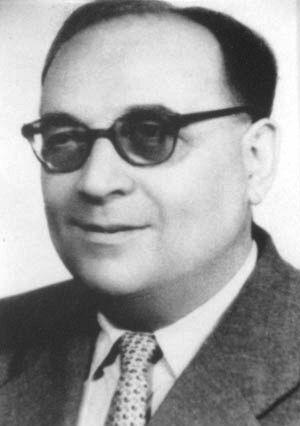 Ștefan Nădășan (n. 19 august 1901, Timișoara, d. 23 septembrie 1967, Timișoara) a fost un inginer electromecanic român. Este întemeietorul școlii românești de încercarea materialelor. A contribuit la îmbunătățirea fontelor și a adus importante inovații în sudura metalelor. Membru titular al Academiei Române. Cariera didactică și-a realizat-o la Universitatea Politehnica Timișoara, Facultatea de Mecanică - in imagine, Acad. Ștefan Nădășan (1901-1967) în 1955 - foto: ro.wikipedia.org