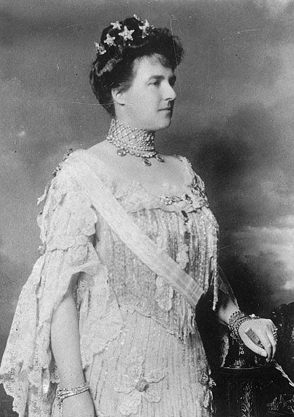 Amélie d'Orléans (28 septembrie 1865 – 25 octombrie 1951) a fost cel mai mare copil al Prințul Filip, Conte de Paris și a soției lui Prințesa Marie Isabelle d'Orléans și Prințesă de Orléans prin naștere. A fost soția regelui Carlos I al Portugaliei și era cunoscută de poporul ei sub numele de Maria Amélia - foto: ro.wikipedia.org