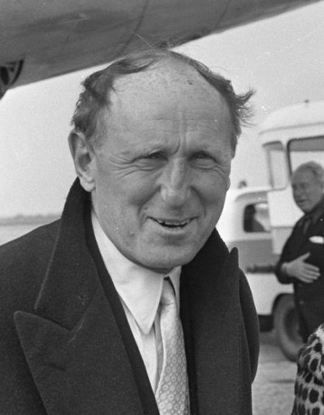 Bourvil (numele real André Robert Raimbourg) (n. 27 iulie 1917 în Prétot-Vicquemare, departamentul Seine-Maritime – d. 23 septembrie 1970 în Paris) a fost unul din marii actori și cântăreți francezi - in imagine, André Bourvil in 1967 - foto: ro.wikipedia.org