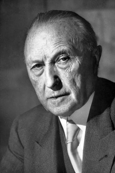 Konrad Hermann Joseph Adenauer (pronunție în germană: /ˈkɔnʁaːt ˈhɛɐman ˈjoːzɛf ˈaːdənaʊɐ/; n. 5 ianuarie 1876, Köln - d. 19 aprilie 1967, Rhöndorf, lângă Bonn) a fost un politician creștin-democrat german, de profesie jurist. Din 1917 și până în 1933 a exercitat funcția de primar general al Kölnului. Adversar al național-socialismului, a fost înlăturat din funcția de primar general. S-a retras la mănăstirea Maria Laach. În 1944 a fost arestat sub acuzația de complot împotriva regimului nazist. Soția sa a fost de asemenea arestată, murind în detenția Poliției Secrete (Gestapo). În ciuda vârstei înaintate (în 1946 împlinise 70 de ani), Konrad Adenauer a condus munca de reconstrucție a creștin-democrației germane, mișcare interzisă în timpul dictaturii hitleriste. În anul 1949, la vârsta de 73 de ani, a fost ales în funcția de cancelar al Republicii Federale Germania - primul după cel de-al doilea război mondial - foto: ro.wikipedia.org