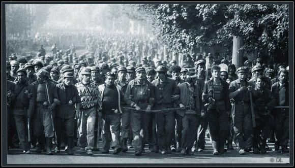 Mineri la Bucuresti - foto: roncea.ro