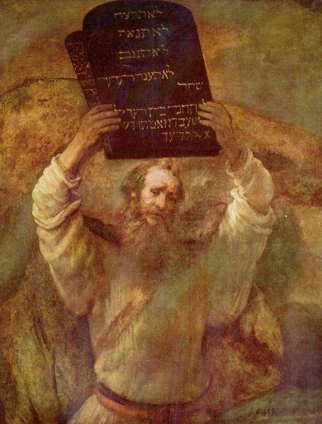 Moise este socotit de tradiția iudaică, iar pe urmele ei, și de cea creștină, un profet și etnarh, conducătorul triburilor israelite ieșind din Egipt (după una din cronologiile presupuse, în jurul anului 1250 î.Hr.) - in imagine, Moise ţinând Tablele Legii, pictură de Rembrandt - foto: ro.wikipedia.org