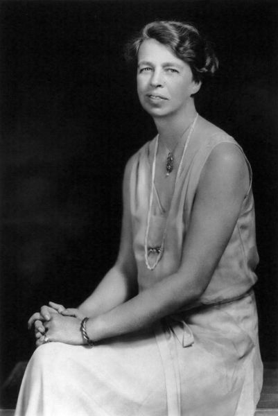 Anna Eleanor Roosevelt (n. 11 octombrie 1884 - d. 7 noiembrie 1962) a fost Prima Doamnă a Statelor Unite ale Americii, soția Președintelui Statelor Unite ale Americii Franklin Delano Roosevelt, diplomată și activistă pentru drepturile omului, una dintre femeile cele mai influente ale secolului al XX-lea - foto: en.wikipedia.org