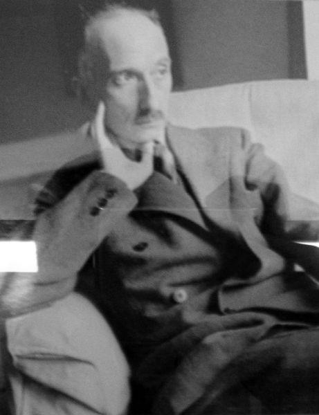 """François Mauriac (n.11 octombrie 1885 – d.1 septembrie 1970) a fost un romancier, poet, dramaturg, eseist, polemist şi gazetar francez, Preşedintele Asociaţiei oamenilor de litere francezi, din 1933, membru al Academiei Franceze , din acelaşi an; laureat al Marelui Premiu al Romanului acordat de Academia Franceză în 1925 pentru romanul """"Viaţa şi moartea unui poet""""; laureat al Premiul Nobel pentru Literatură în anul 1952 - in imagine, François Mauriac in 1932 - foto: ro.wikipedia.org"""