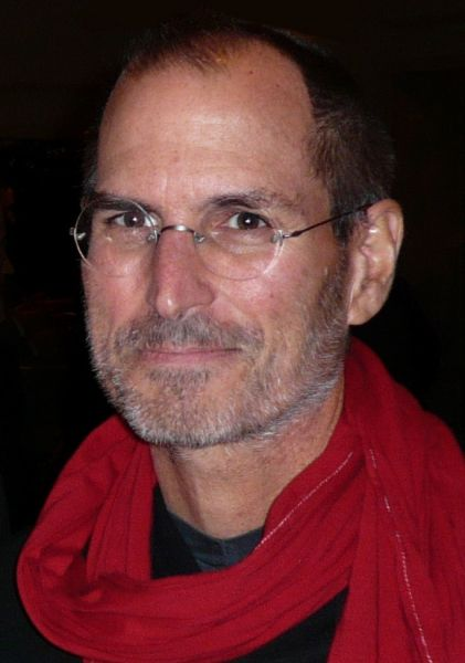 Steven Paul Jobs (n. 24 februarie 1955 - d. 5 octombrie 2011)[4][5][6] a fost cofondatorul[7] și CEO-ul (directorul general) al firmei Apple Computer, precum și CEO al firmei Pixar, până la achiziția acestui studio de animație de către compania Disney. A fost cel mai mare acționar al companiei Disney [8] și membru în consiliul de directori ai Disney. Jobs este considerat ca fiind unul dintre cele mai influente personaje atât din industria calculatoarelor cât și în industria divertismentului - in imagine, Steve Jobs in 2007 - foto: en.wikipedia.org