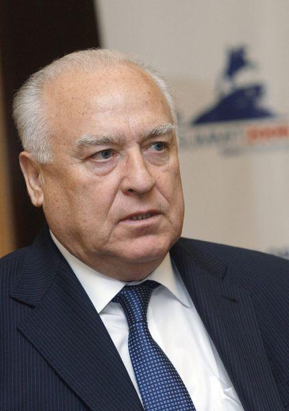 Viktor Stepanovici Cernomîrdin (n. 9 aprilie 1938 – d. 3 noiembrie 2010) a fost un inginer și om politic rus, care a îndeplinit funcțiile de prim-ministru al Federației Ruse (14 decembrie 1992 - 23 martie 1998), prim-ministru interimar (23 august - 11 septembrie 1998) și viceprim-ministru al Rusiei (mai-decembrie 1992) - foto: ro.wikipedia.org