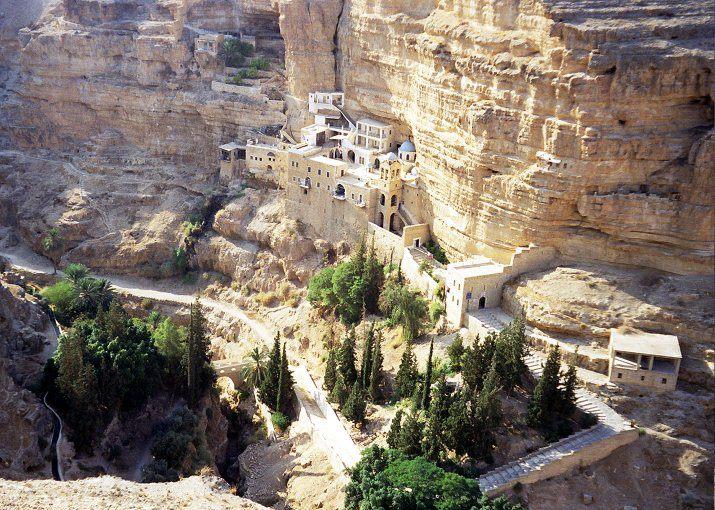 Mănăstirea Sfântul Gheorghe Hozevitul, din Palestina. Aici se află moaștele Sfântului Ioan Iacob de la Neamț - foto preluat de pe www.omhksea.org