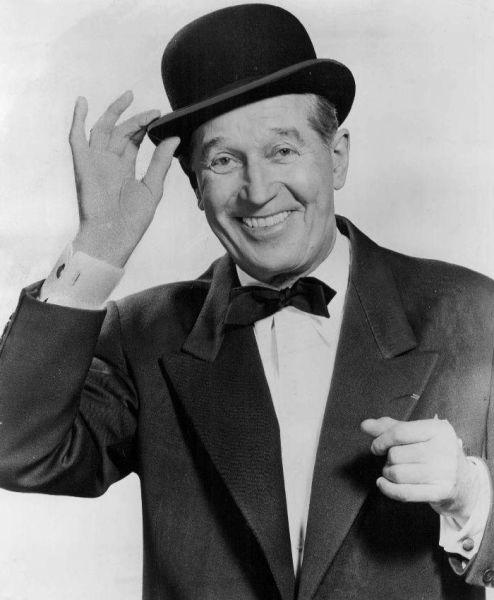 Maurice Chevalier (numele real Maurice-Edouard Saint-Léon Chevalier) (n. 12 septembrie 1888, Paris; d. 1 ianuarie 1972, Marnes-la-Coquette, Paris) a fost un actor francez (teatru şi film) şi un cântăreţ de operetă - foto preluat de pe ro.wikipedia.org