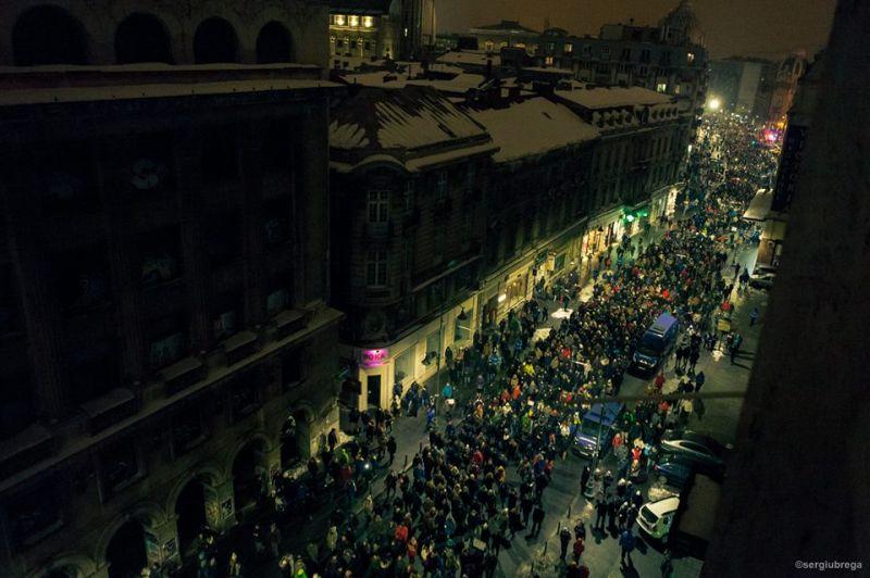 """""""Iarna pe ulița Victoriei"""" (Protest """"NU Legii Gratierii Si Amnistiei"""",  București - 29 ianuarie 2017) - foto: Sergiu Nicolae Brega"""