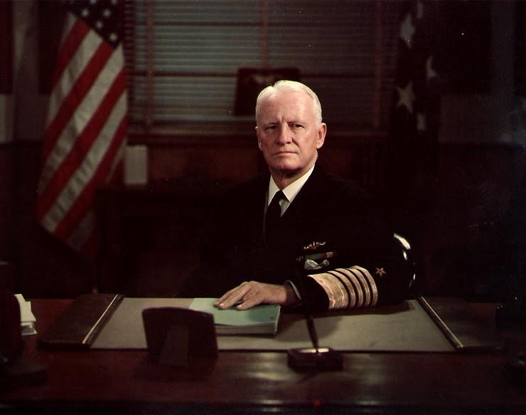 Chester William Nimitz (n. 24 februarie 1885 – d. 20 februarie 1966) a fost un amiral american, unul dintre principalii comandanţi militari americani din timpul celui de-al doilea război mondial - foto preluat de pe ro.wikipedia.org