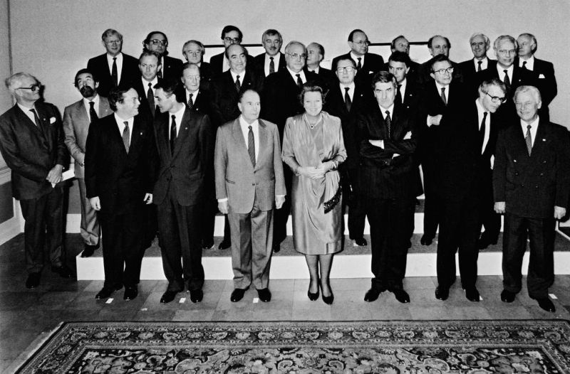 Group photo of the Maastricht European Council (Maastricht, 9 and 10 December 1991) - foto: twitter.com