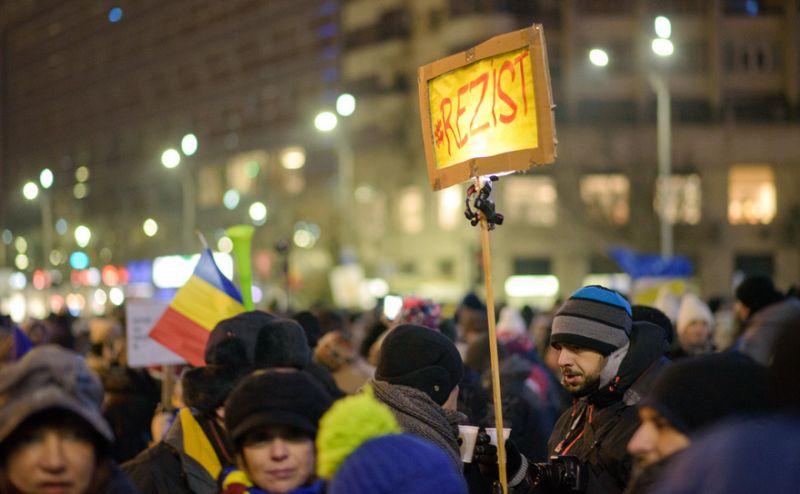 Protest la Guvern, 12 februarie 2017 - foto: Mihuţ Savu / Epoch Times România
