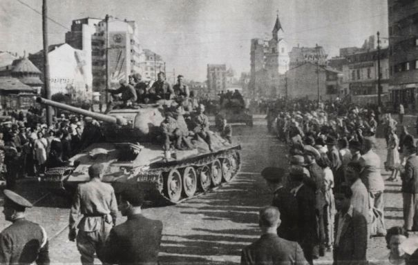 Armata Rosie în Bucureşti august 1944 - foto: activenews.ro