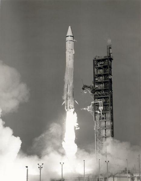 Mariner 9 launch - foto preluat de pe en.wikipedia.org