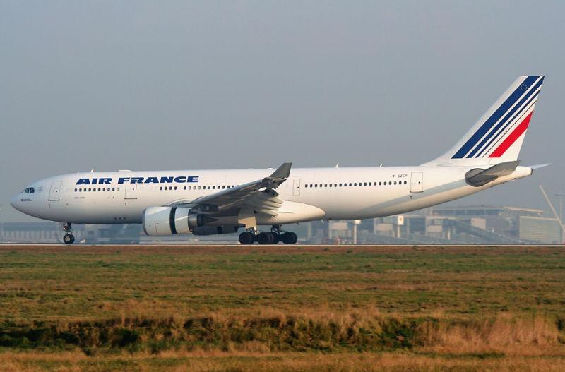 Aeronava implicată în accident, la Aeroportul Internațional Charles De Gaulle, în 2007 - foto preluat de pe ro.wikipedia.org