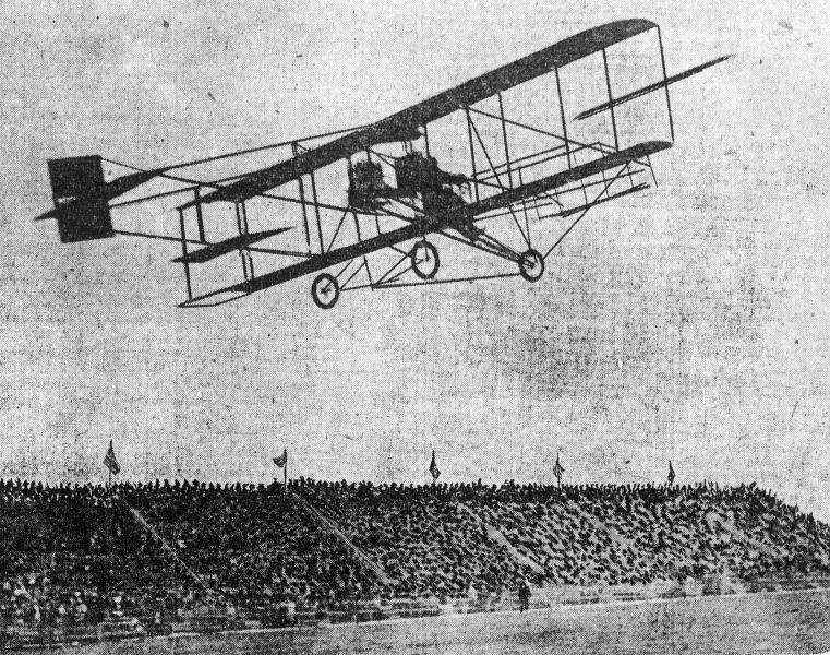A Curtiss machine in 1910 - foto preluat de pe en.wikipedia.org