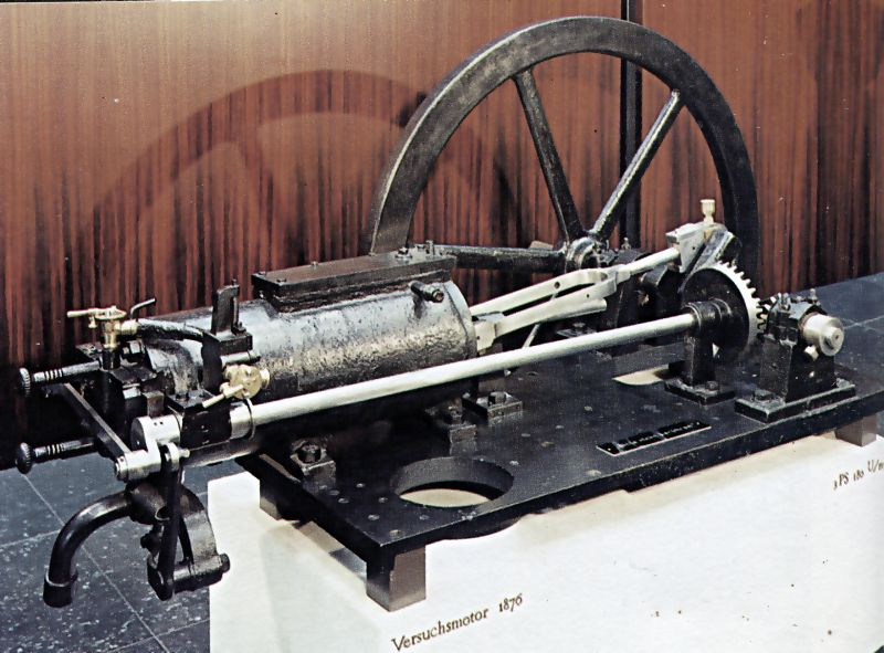 Otto's 1876 four cycle engine - foto preluat de pe en.wikipedia.org