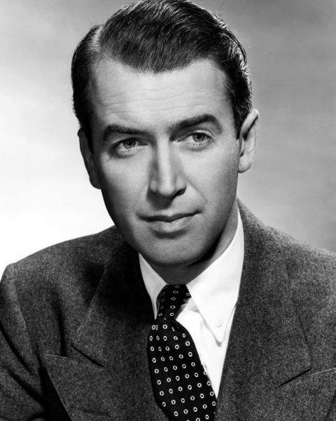 James Maitland Stewart (n. 20 mai 1908 - d. 2 iulie 1997) a fost un actor american de origine scoțiană - Stewart in 1948 - foto preluat de pe en.wikipedia.org