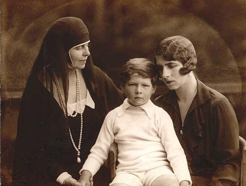 Mihai, Elena și Regina Maria - foto preluat de pe ro.wikipedia.org