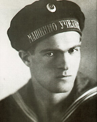 Nikola Yonkov Vaptsarov (7 December 1909 – 23 July 1942) - Vaptsarov during his time in the Varna Naval Machinery School - foto preluat de pe en.wikipedia.org