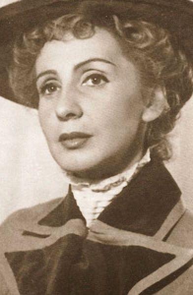 Clody Bertola (n. 12 august 1913, București - d. 28 decembrie 2007, București) a fost o actriță română - foto: cinemagia.ro