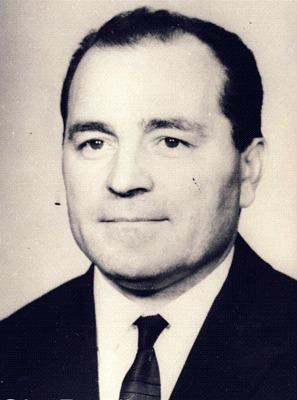 Gheorghe Pană (n. 9 aprilie 1927, comuna Gherghiţa, judeţul Prahova) este un fost demnitar comunist român. Pe timpul grevei minerilor din Valea Jiului din august 1977 a fost preşedintele Consiliului Central al UGSR şi ministru al muncii, şi împreună cu Ilie Verdeţ, a fost trimis de Ceauşescu la faţa locului pentru negocieri, dar au eşuat - foto preluat de pe ro.wikipedia.org