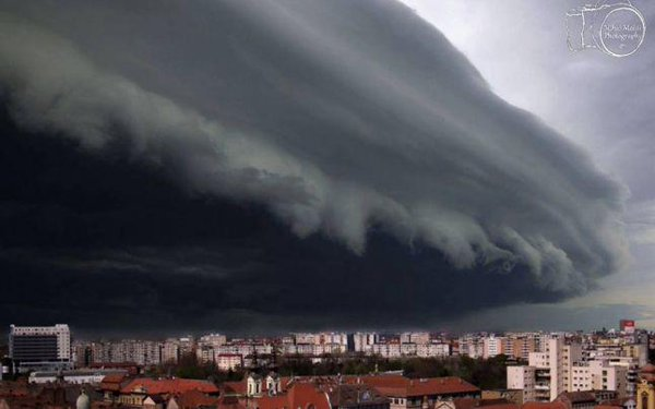 Furtuna violenta la Timisoara (17 septembrie 2017) - foto: twitter.com
