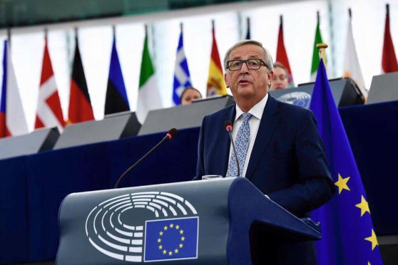 Jean-Claude Juncker (n. 9 decembrie 1954, Redingen, Luxemburg) este un politician creștin-democrat luxemburghez, prim-ministru al Luxemburgului între 20 ianuarie 1995 și 4 decembrie 2013. La data de 15 iulie 2014 Juncker a fost ales de Parlamentul European în funcția de președinte al Comisiei Europene. - foto preluat de pe facebook.com
