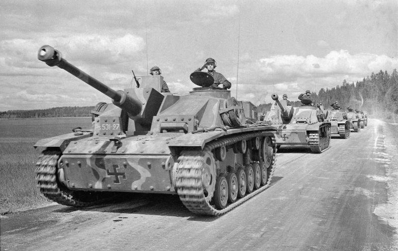 Războiul de Continuare (25 iunie 1941 – 19 septembrie 1944) Parte din luptelor de pe frontul de răsărit al celui de-al doilea război mondial - Tunuri de asalt finlandeze Sturmgeschütz III - foto preluat de pe ro.wikipedia.org