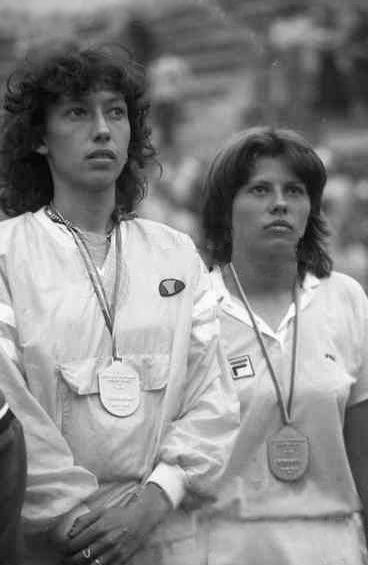 Virginia Ruzici and Florența Mihai (right) at the 1981 Summer Universiade - foto preluat de pe en.wikipedia.org