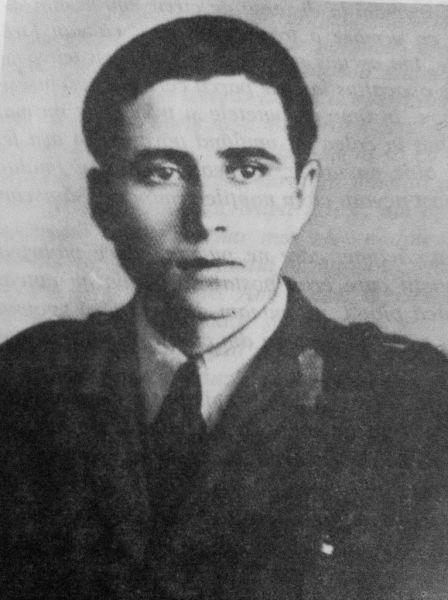 Gavril Vatamaniuc (1924-2012) - sergent major de jandarmi, originar din Sucevița. A fost arestat la 18 octombrie 1955, judecat la 30 iulie 1956 și condamnat la muncă silnică pe viață. Este eliberat în 1964. S-a stabilit la bătrânețe la Frasin. A decedat la 29 februarie 2012 - foto preluat de pe ro.wikipedia.org