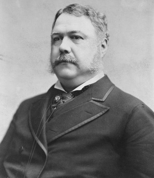 Chester Alan Arthur, cunoscut și ca Chester A. Arthur, (n. 5 octombrie 1829 - d. 18 noiembrie 1886) a fost un politician american, cel de-al douăzecilea vicepreședinte, care a servit ca cel de-al douăzeci și unulea președinte al Statelor Unite ale Americii pentru un singur mandat incomplet (1881 - 1885) - foto preluat de pe ro.wikipedia.org