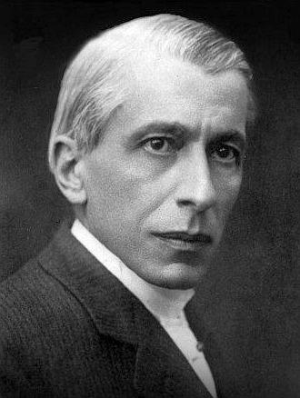 Nicolae Constantin Paulescu (n. 11 noiembrie, S.V. 30 octombrie, 1869, Bucureşti – d. 19 iulie 1931, Bucureşti) a fost un om de ştiinţă român, medic şi fiziolog, profesor la Facultatea de Medicină din Bucureşti, care a contribuit la descoperirea hormonului antidiabetic eliberat de pancreas, numit mai târziu insulină - foto preluat de pe en.wikipedia.org