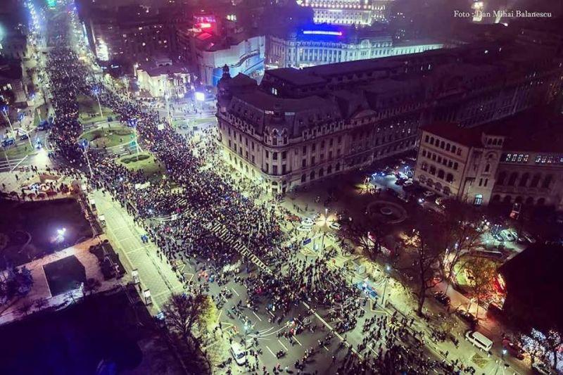 """Protest """"STOP Legile Justiției! Nu scăpați!"""" (Bucuresti - 26 Noiembrie 2017) - foto: Dan Mihai Balanescu"""