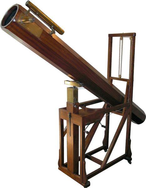 Replica in the William Herschel Museum, Bath, of a telescope similar to that with which Herschel discovered Uranus - foto preluat de pe en.wikipedia.org