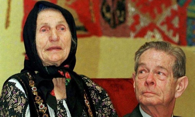 Elisabeta Rizea si Regele Mihai - foto preluat de pe www.facebook.com/LiviuMihaiu.ro