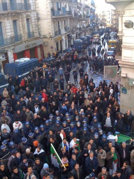 Protestele algeriene din 2010–2012 (Protest organizat de RCD în Alger) - foto preluat de pe ro.wikipedia.org